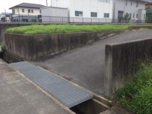 駐車場入口 施工前